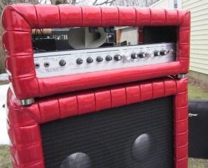 Motion Sound Leslie in Kustom cabinet on top of Kustom 4x10