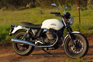 Moto Guzi V7 Stone - 2013 - white--